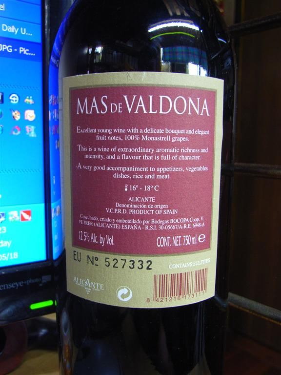 http://www.whatsoever.hk/wine/Mas%20de%20Valdona.Alicante.back.JPG